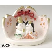 ★ひな祭りを飾る★ 陶製の雛人形 【桜雛 かべ掛け】