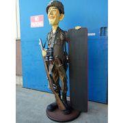 メニューボードを持った巨大な米兵のオブジェ【SOLDIER WITH MENU】セールスプロモーションドール
