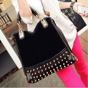 韓国ファッション/スエード切り替え/スタッズ飾り付き/斜め掛けバッグ/手持ちバッグ♪