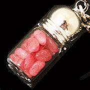 天然石チップ お守り瓶キーホルダー レッドクォーツ染め(Dyed Red Quartzite)