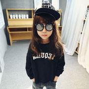 キッズ洋服 秋服 新しいデザイン 児童 丸襟 長袖Tシャツ ファッション 短いスタイル