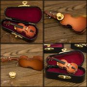 リアルなデザインでワンポイントなオシャレなピンバッジ♪ミニチュアバンド♪バイオリン♪