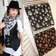 ファッションスカーフ/クール且つ個性的な印象のスカルプリントが目を惹く☆さらっと巻きやすいシフォン素