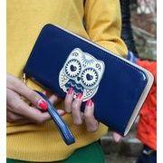 ファスナー式長財布☆ 可愛らしいミミズクをモチーフとした長財布/ カードやポケットも充実しており、使