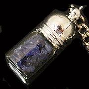 天然石チップ お守り瓶キーホルダー ソーダライト(Sodalite)