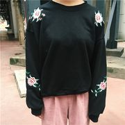 08545054 コリアスタイル配色花柄シンプルTシャツ