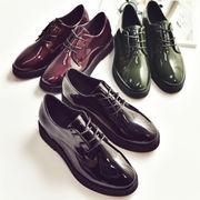 新しいデザイン★厚底★靴★女★エナメル革★ヒント★小さな靴★イングランド★ミドルヒール★