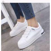 新しいデザイン★白い靴★女★黒と白★スポーツシューズ★韓国風★カジュアルシューズ★何でも