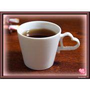 【恋するハート・シリーズ】のコーヒーカップ、白磁(美濃焼)の質の良い商品です。