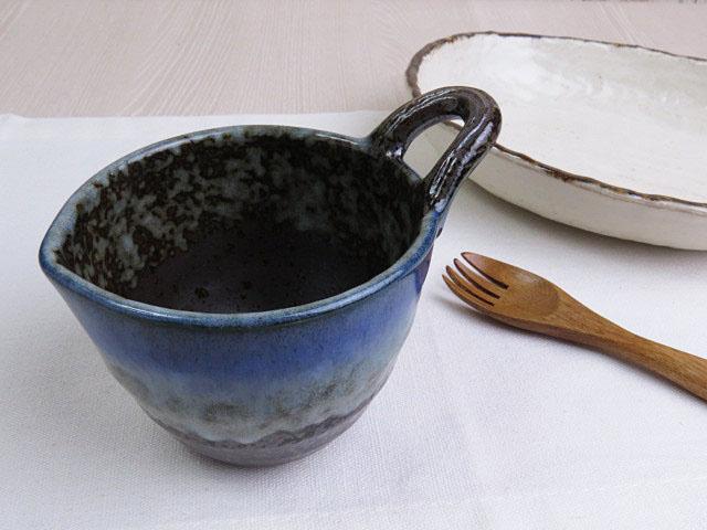 【ドレッシング&納豆&玉子に】 手つきの安定コネコネ鉢 風流な黒に青