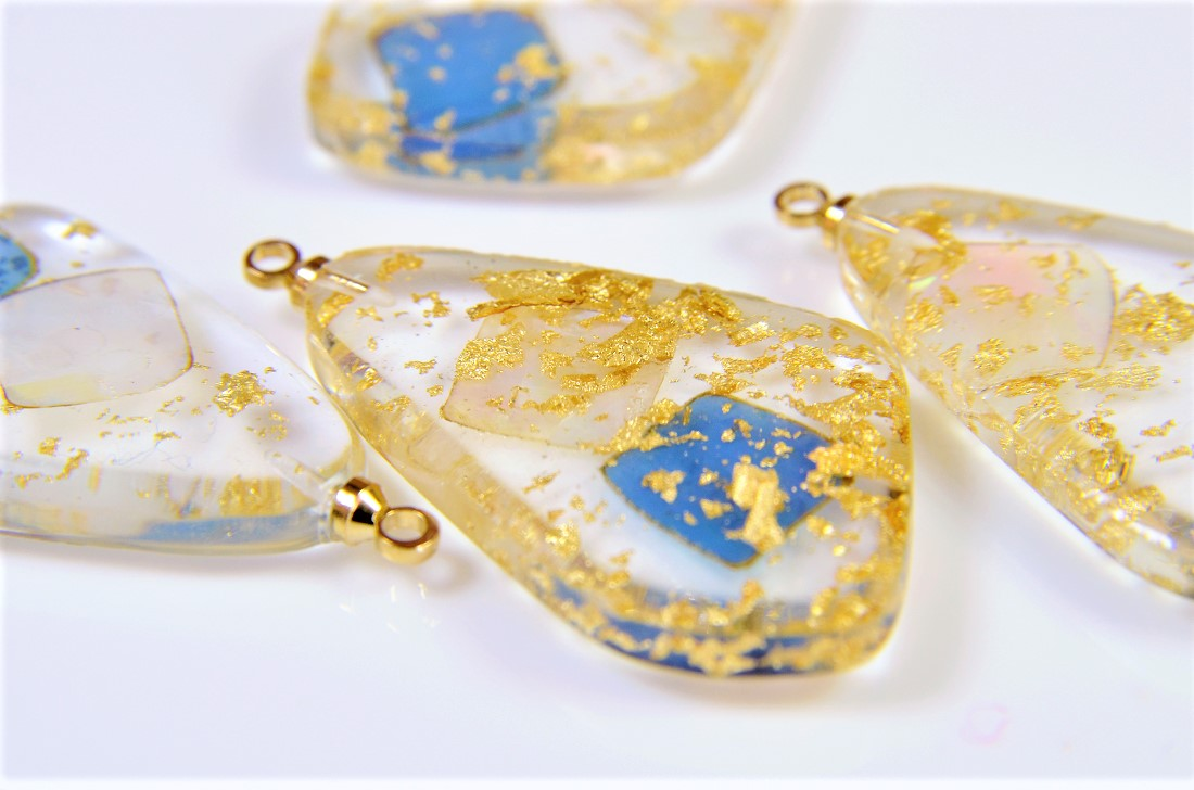 【夏アクセサリー】アクリルに天然シェルと金箔を閉じ込めたパーツ/シェルパーツ/トレンドパーツ