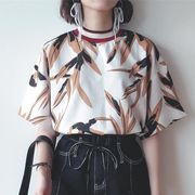 08207738 ボタニカル柄チビハイネック半袖Tシャツ