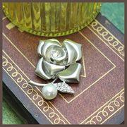 【均一SALE】艶消しシルバーの薔薇モチーフブローチ