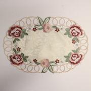 テーブルセンター薔薇のカット刺繍楕円