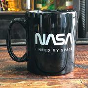 NASA公認マグカップ(アイ・ニード・マイ・スペース)・ロゴタイプ(ワーム)