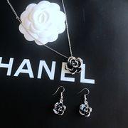 定形外773463】ネックレス ペンダントトップ ピアス セット カワイイ 知的 カメリア 椿の花 バラ 薔薇