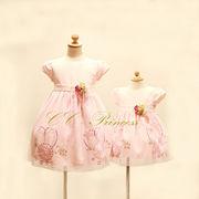 スパンコールとフラワーモチーフのドレス、 ベビードレス、フォーマルドレス、子供ドレス、 70cm-100cm