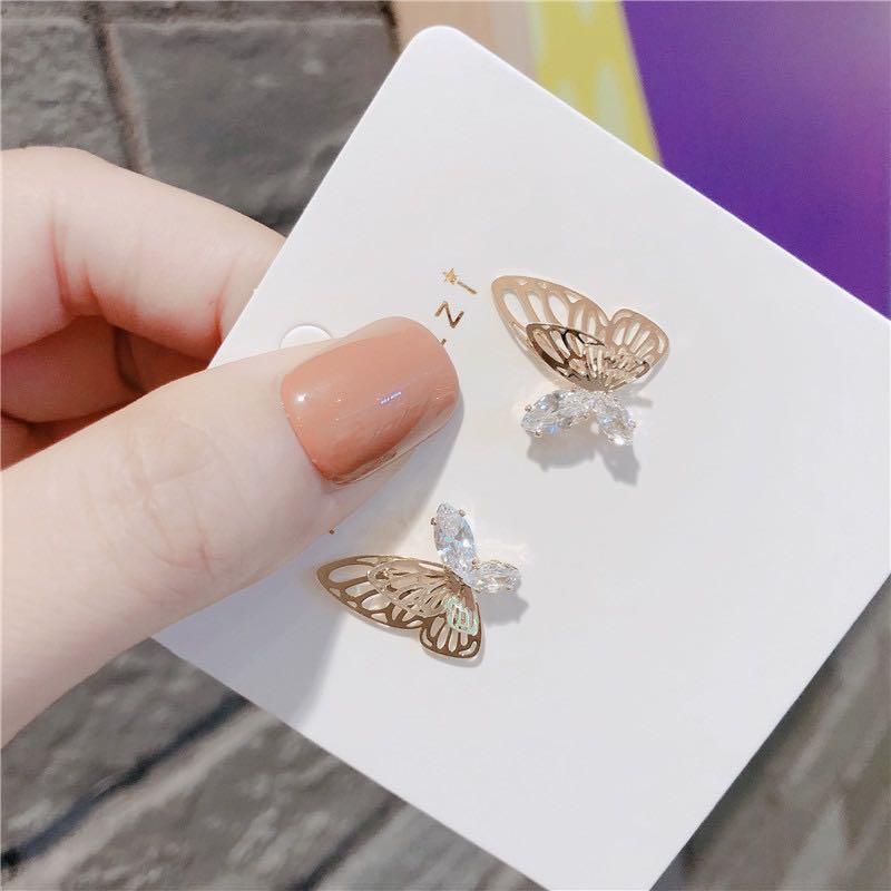 即納 ピアス イヤリング ゴールドメッキ ラインストーン  ジルコニア 蝶