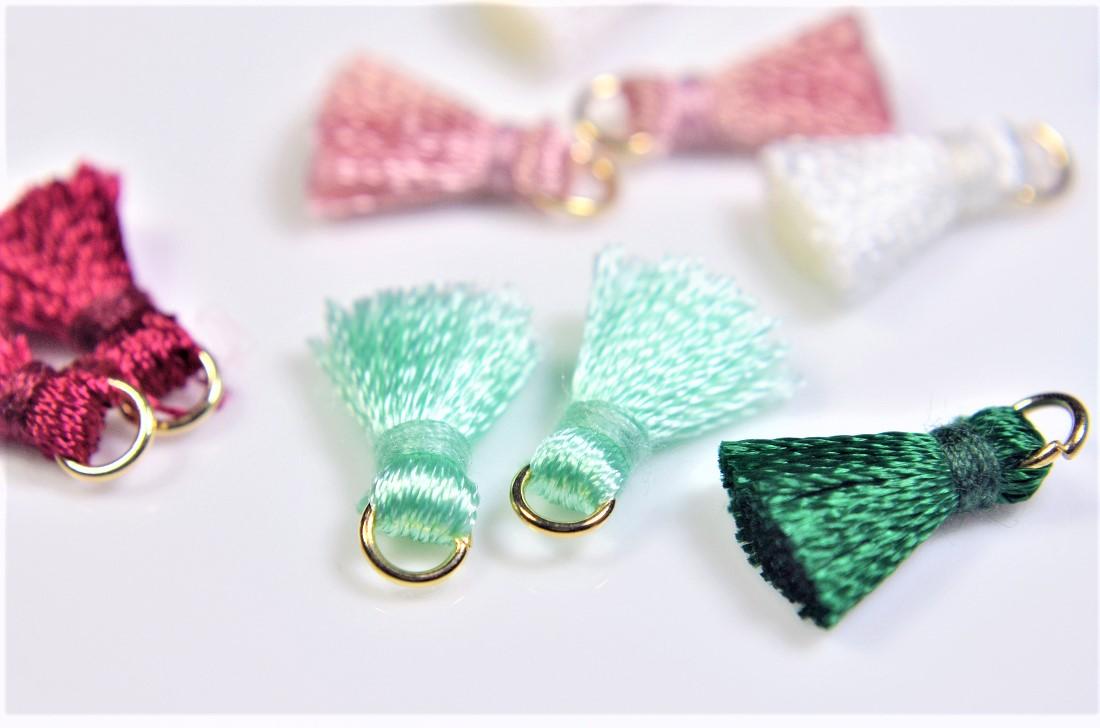 シンプルで合わせやすい 刺繍糸タッセル 基礎金具 デコパーツ トレンドパーツ