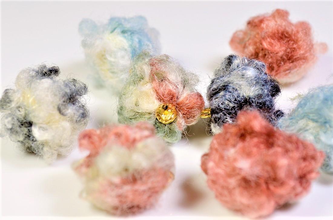 【秋冬アクセサリー】羊毛フェルトロング もごもごチャーム トレンドパーツ グラデーション効果