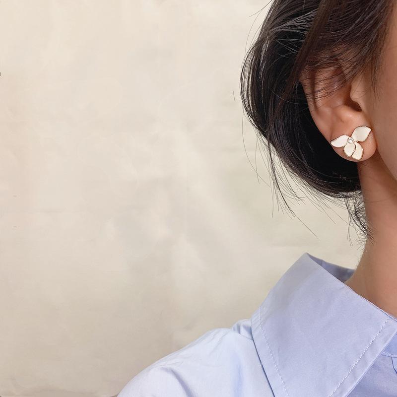 花のイヤリング女性韓国のシンプルでコンパクトで絶妙なイヤリング2021新品