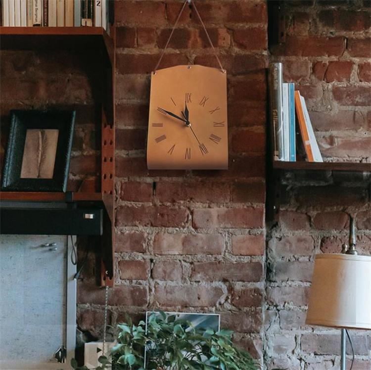満足度99% INSスタイル 鞄の形 壁掛け時計 革 個性 居間 寝室 サイレント 装飾時計 モダンアート