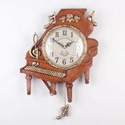 ピアノ掛け時計 (ブラウン)