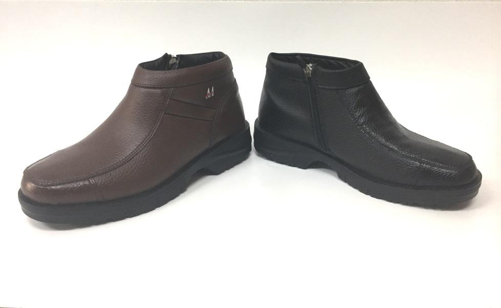 【サイズ限定大特価】あったか軽量中ボア牛革ブーツ(メンズ)防水雪かき