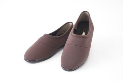 ミセスの為のラク~に歩けるストレッチ靴