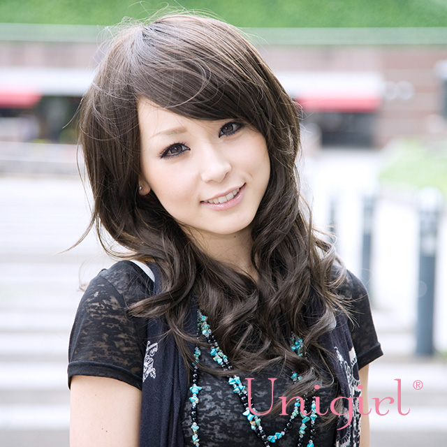 【ユニガール】大きめカールのちょっぴり悪女風ウィッグ☆『アマラスウィッチカール』