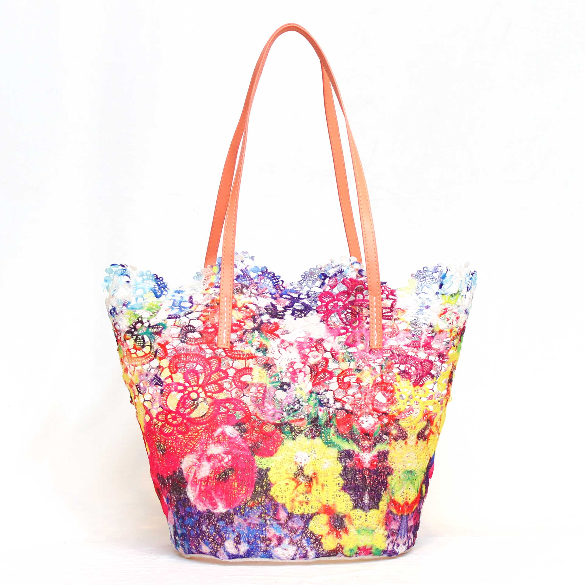 カラフルで軽く汚れにくい、ストリートやビーチに最適なポリレースバッグ