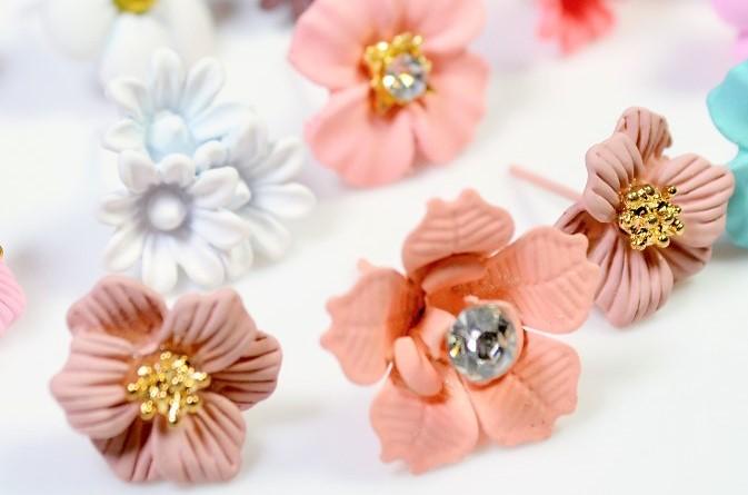 夏アクセサリー 【合金製】花のピアス フラワーピアス 20円より