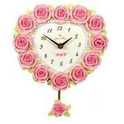 薔薇の花びらに覆われた素敵な時計!ローズハート型振子時計
