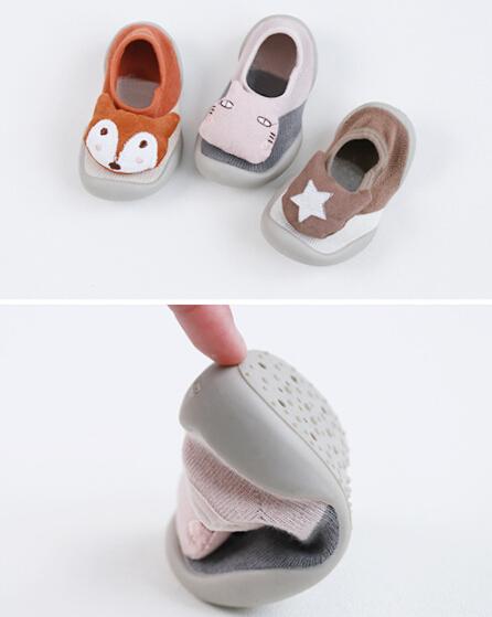 新作 キッズ  女の子♪ソックス♪新生児 歩く学ぶ靴 滑り止め 0-3歳適応 セルフケア
