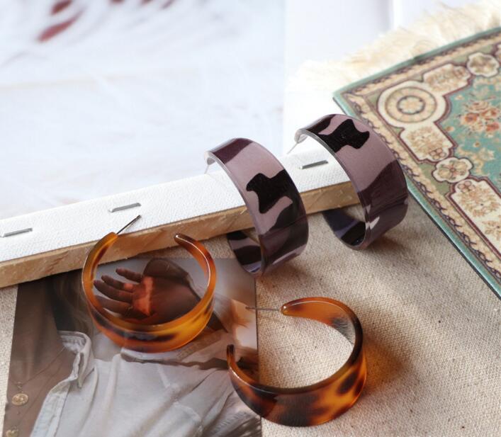 新作 ピアス 気質 アクセサリー アクリル 琥珀 円型 誇張 幾何 シンプル ファッション