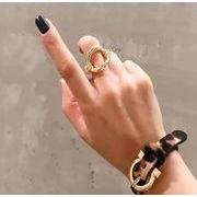 同梱でお買得★素敵★可愛いリング★アクセサリー★女性の指輪★可愛い金属★透かし彫り長円形