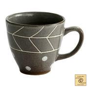 YUKURI 黒化粧彫水玉マグカップ グレー