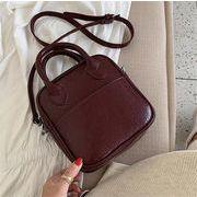 [秋冬新色登場!]INSスタイル ハンドバッグ 小さな正方形のバッグ 取っ手 シンプル レトロ ショルダーバッグ
