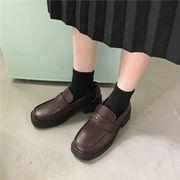 靴 女靴 春 新しいデザイン ネット レッド 厚底 小さな靴 女性英国スタイル ローファ