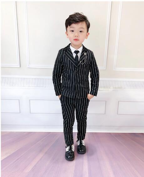 2020新作男子 スーツ 入園 卒業式 入学式 発表会 結婚式 2点セット こどもスーツ  90-140cm 2色