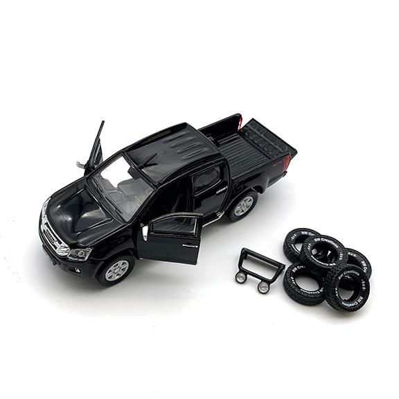 BM CREATIONS いすゞ  D-MAX  2016 ブラック LHD