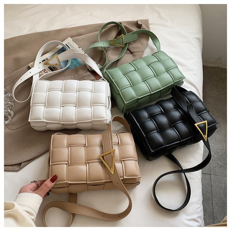 秋冬新作鞄編みバッグレーザー調高級感肩掛けショルダーバッグINSスタイル テクスチャ デザインセンス