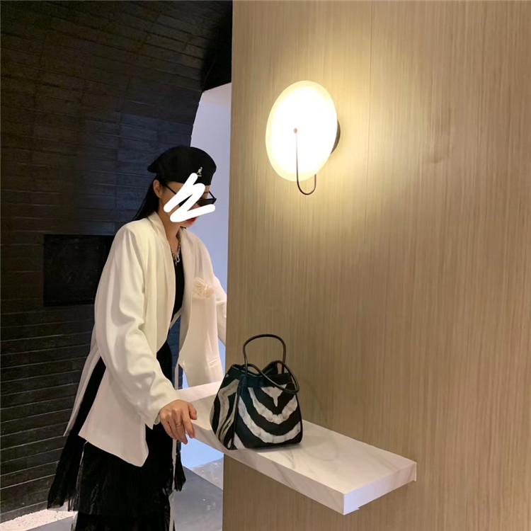 本当に早い者勝ちです!韓国ファッションゼブラ柄 脇カバン フォールド ショルダーバッグ 女性 ハンドバッグ
