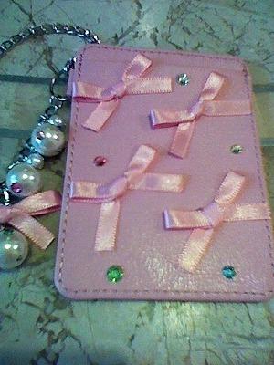 ☆定期入れ☆パールチェーン付き スワロとリボン飾りパスケース