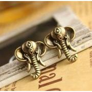 象のモチーフのピアス エレファントアクセサリー アンティーク調 AL-969