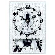 黒猫とレース模様がお洒落で素敵です!猫ガラス振子時計