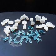 1個 シリコンモールド 選べる18種 動物 クラウン 音符 UVレジンモールド ゴム型 カワイイ 鏡面