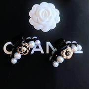 定形外773458】カメリア 椿の花 バラ 薔薇  coco NO5 真珠付 ヘアクリップ パールパーツ ヘアピン