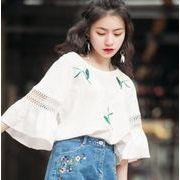 春夏 新しいデザイン  中袖 フレア袖 花柄刺繍 ラウンドネック 透かし雕りレース  Tシャツ 韓国ファション
