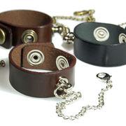 人気商品復刻!4色から選べる本革ベルトのグローブホルダー